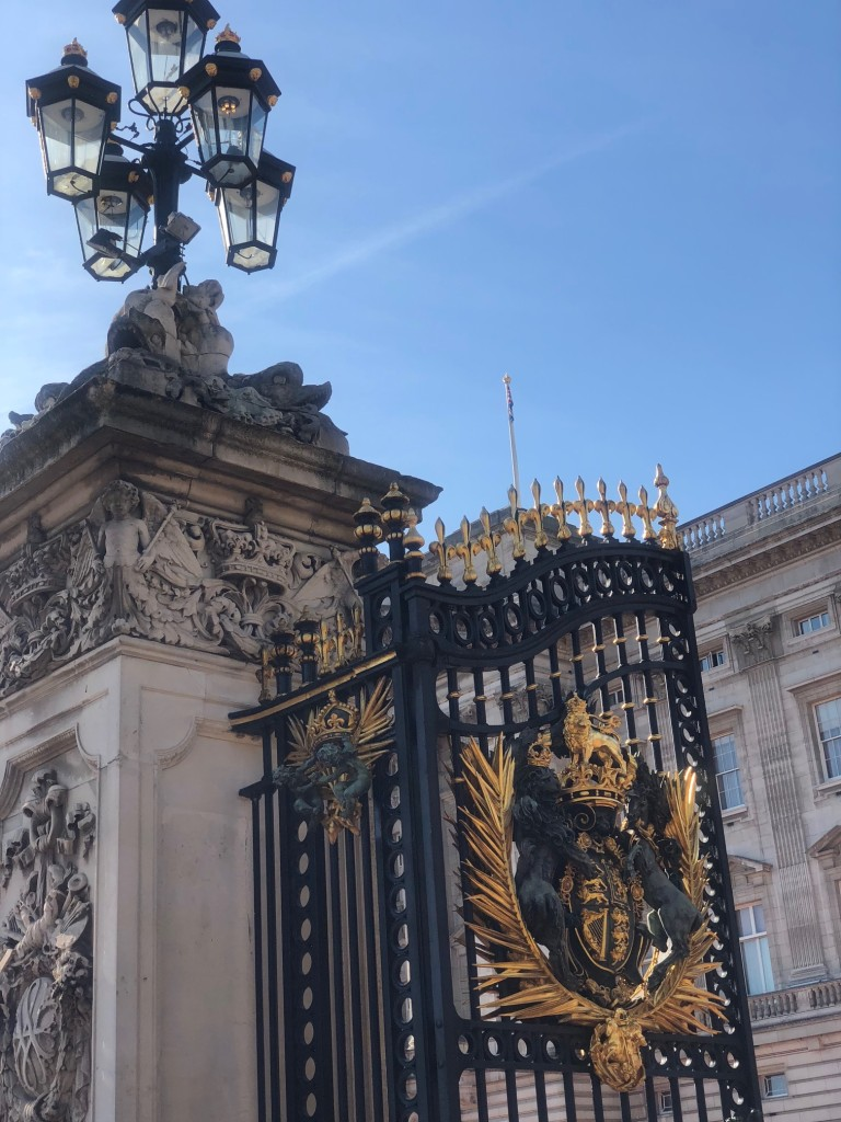 buckingham palace handinary stories